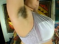 Lady Shows All 105